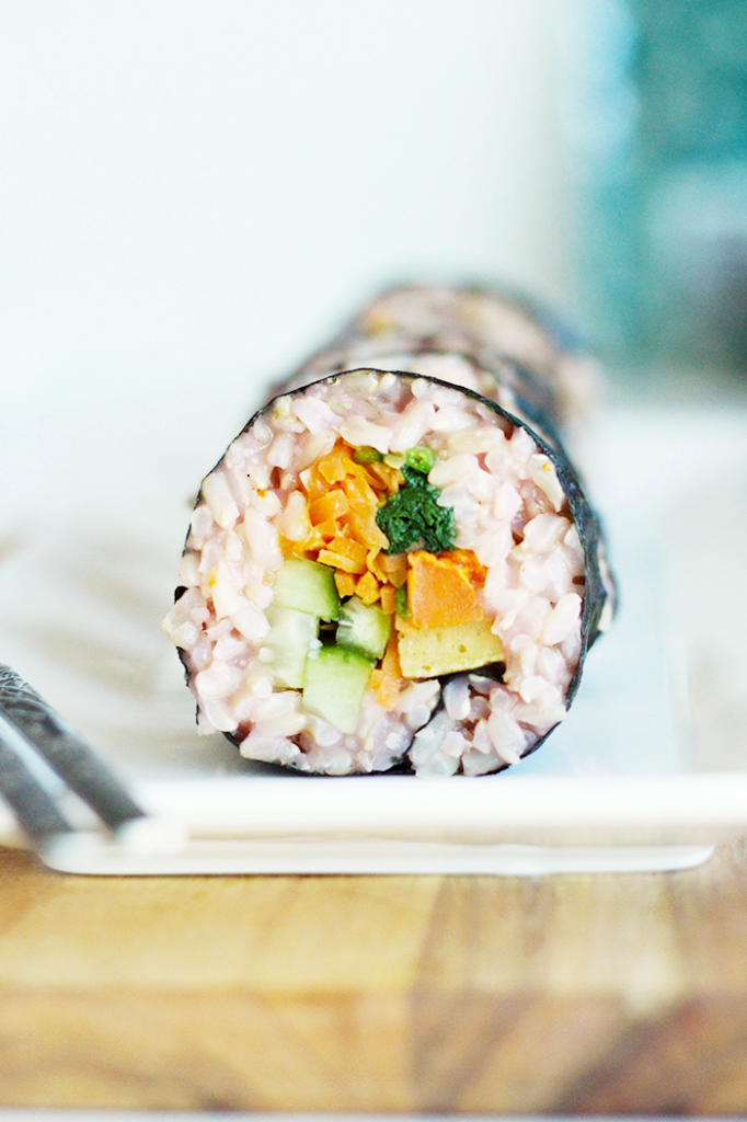 Delicious and healthy Brown Rice Kimbap | MyWifeMakes.com #vegan #healthy #kimbap #asian #recipe