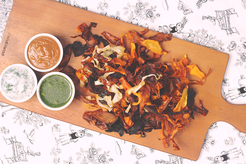 Crunchy & Tasty Vegan Veggie Chips and 'Cross-Cultural' Dips (Coriander Chutney, Vegan Lemon Dill Mayonnaise and Hoisin Peanut Sauce) #chips #vegetables #vegan