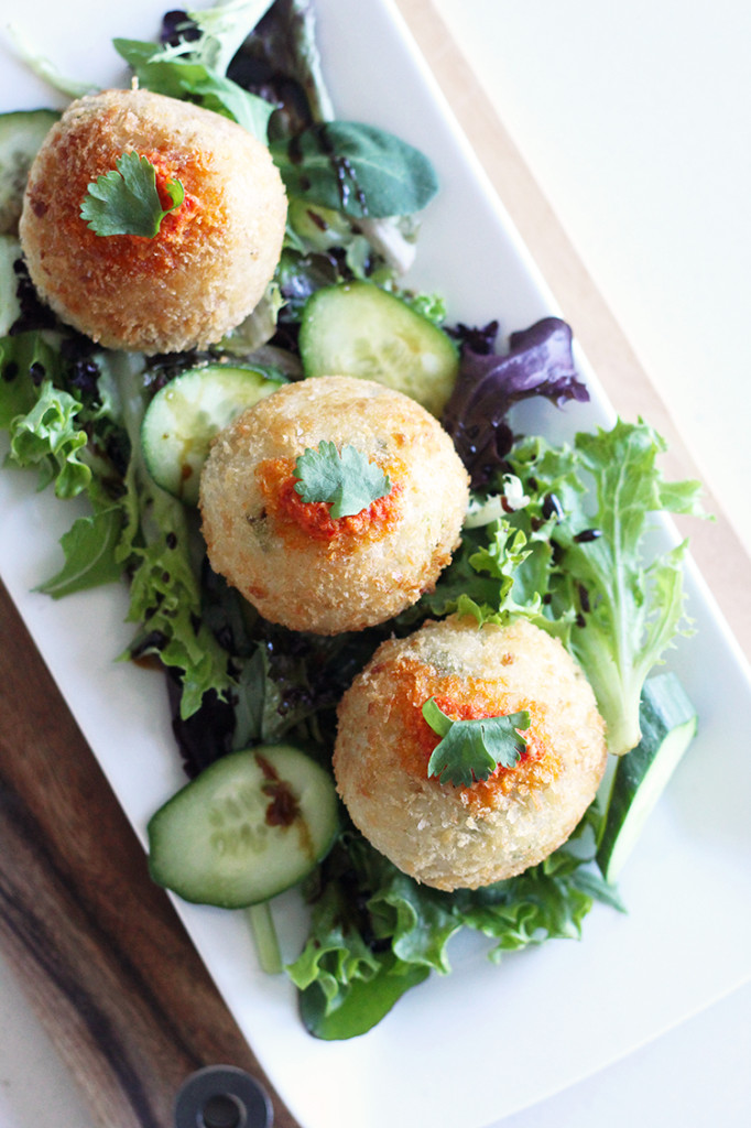 Vegan Asian Rice Balls - a modern vegan twist of Hainanese Chicken Rice, without the chicken! #vegan #chickenrice #recipe | MyWifeMakes.com